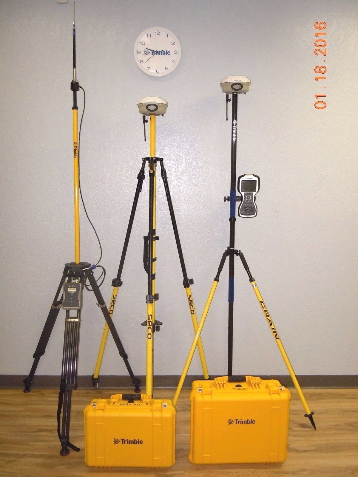 Trimble R8 Model 4 L1 L2 L2c L5 GPS Glonass GNSS Galileo TSC3 Rover Base  RTK SET
